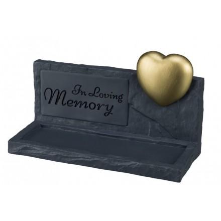 Pierre commémorative grise